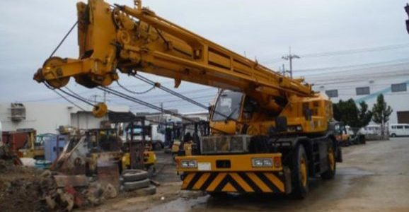 Car Junction Company offers this  Used Tadano TR250M Truck Crane Model 2001 for sale. The stock number 66699 is a used truck crane of Tadano model 2001. The yellow color crane has so far covered about 6300 miles.